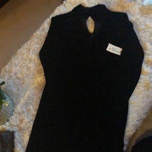 BNWT decided dress size M velvet feel with choker